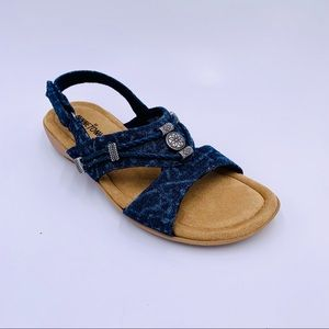 Minnetonka sandals Silvie blue southwest size 7
